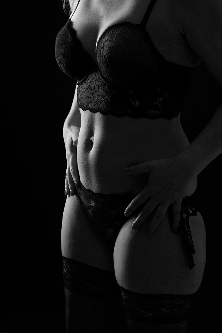 Fotografie Dessous schwarzweiss hartes Licht