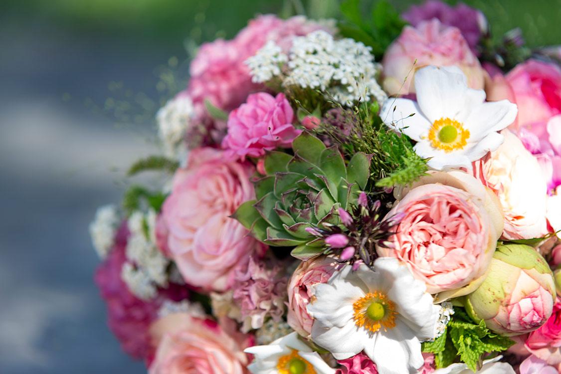 Hochzeit-Brautstrauß-mit-Fettgewächs