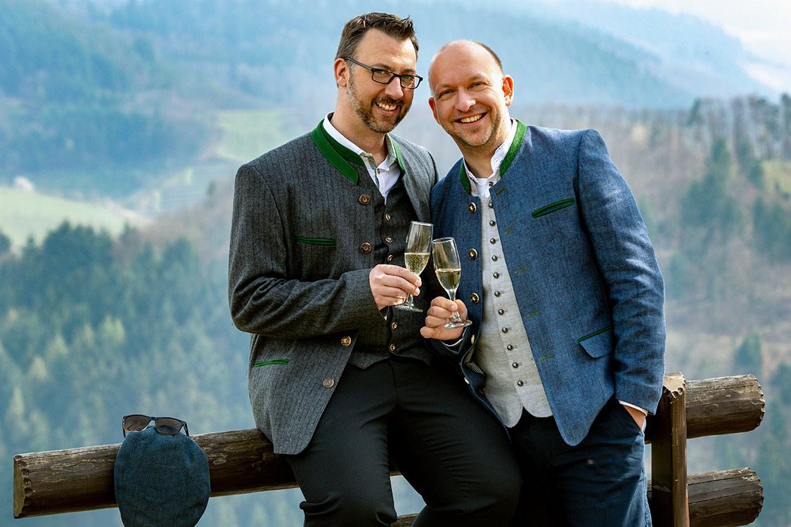 Hochzeitsbilder von Männern im Schwarzwald