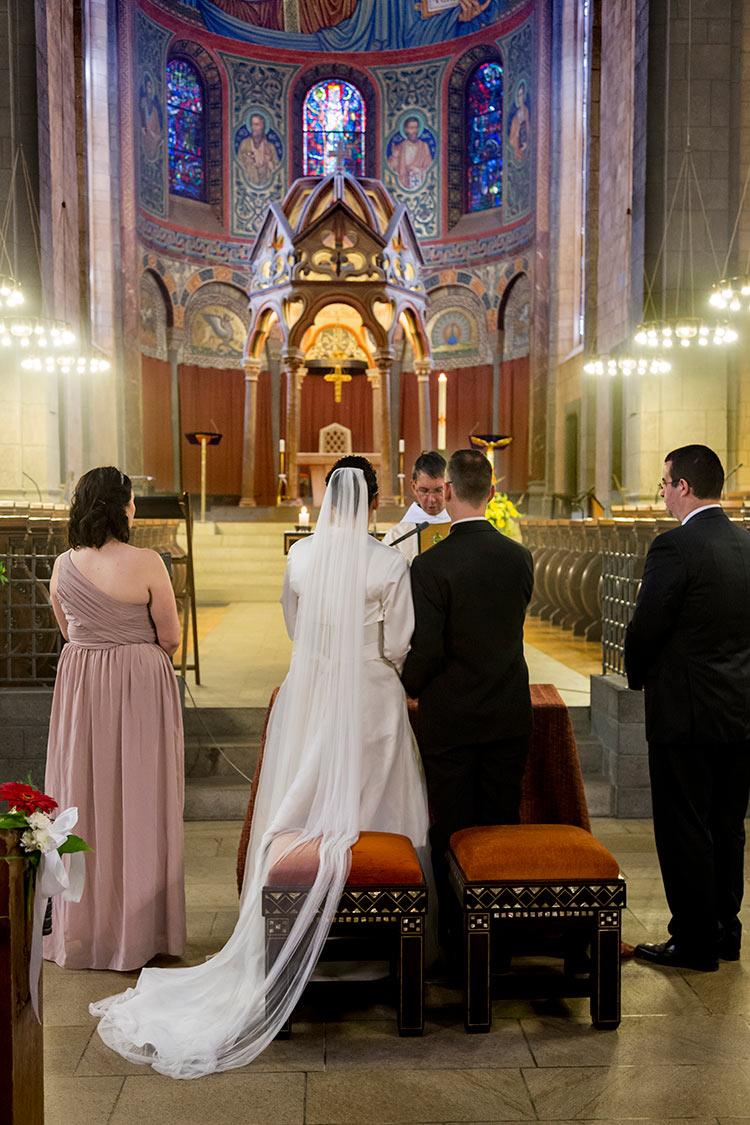 Hochzeitsfotos im Kloster-Maria-Laach-bei-Mendig